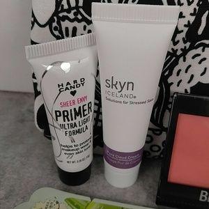 City Color Makeup - Beauty Bundle with Make Up Bag